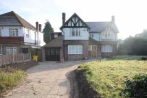 Detached house to rent in Broomhill Walk...