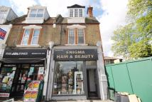 High Street Wanstead Flat to rent