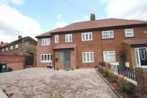 3 bedroom semi detached house in Nupton Drive, Barnet, EN5