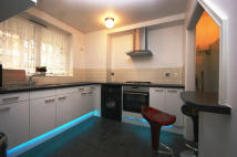 4 bedroom Maisonette to rent in CRAYFORD ROAD, London, N7