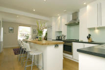4 bed property in Priory Road, Chiswick