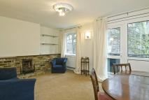 2 bedroom Flat in Deans Close, Chiswick