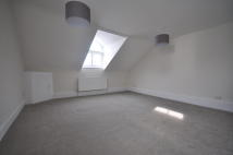 Flat in Turnham Green Terrace...