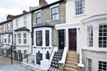 4 bedroom property in Coombe Road, Chiswick