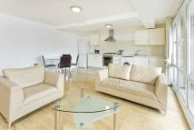 Flat to rent in St Rule Street...