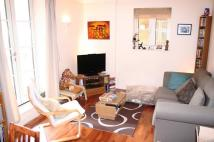 Flat to rent in Hepworth Court, N1