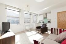 Flat to rent in Alfred Place, London...