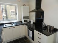 Apartment to rent in Parkgate Road, London...