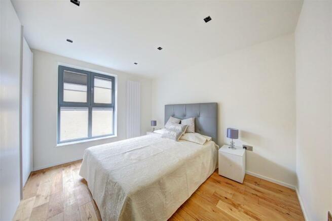 2_oak_terrace Bed (2