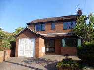 4 bed Detached house in Mayfield Avenue...