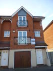 3 bed Town House to rent in Lingfield Crescent...