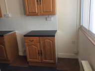 1 bed Ground Flat in Kings Arms Street...