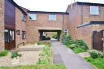 2 bed Apartment in Parsonage Farm Close...