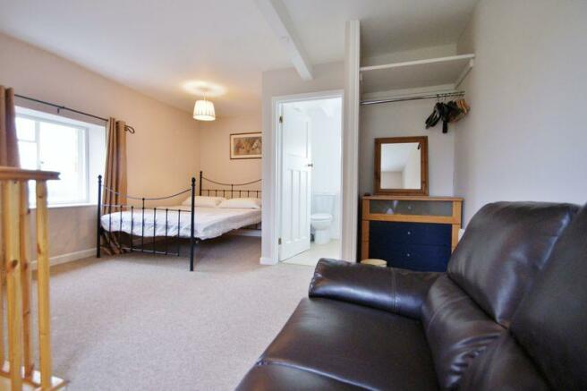 Living/bedroom...