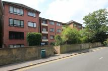 2 bedroom Flat in Surbiton Road...