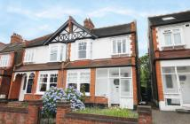 3 bedroom house to rent in Dukes Avenue, New Malden