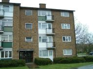 Long Lynderswood Apartment to rent