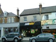 Apartment to rent in Broadway, Leigh-On-Sea...