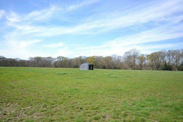 Field Shelter Photog