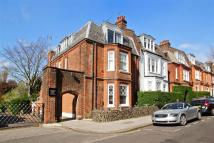 Apartment to rent in Glenloch Road, London