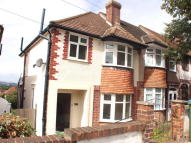 3 bedroom house in Castlewood Drive, London...