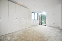 Apartment in Aylmer Road, London, N2