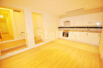 Apartment to rent in Holloway Road, London, N7