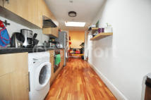 Flat in Windermere Road, London...