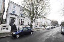 BELSIZE SQUARE Maisonette to rent