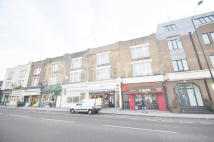 Flat to rent in Archway Road, London, N6