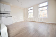 Flat to rent in HOLLOWAY ROAD, London, N7