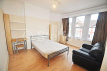 1 bed Studio flat to rent in PRINCES AVENUE, London...