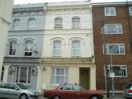 Flat to rent in Gensing Road...