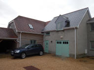 3 bedroom semi detached property to rent in SP7
