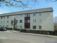 2 bed Flat to rent in Russell Drive...
