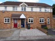 2 bed property in Dinmore Road