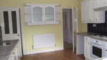 End of Terrace house to rent in Newnham Road, Newark...
