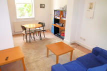 Ground Flat to rent in Cosway Street, London...