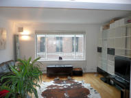 2 bed Flat in VINCENT COURT...