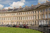 Apartment to rent in Lansdown Crescent