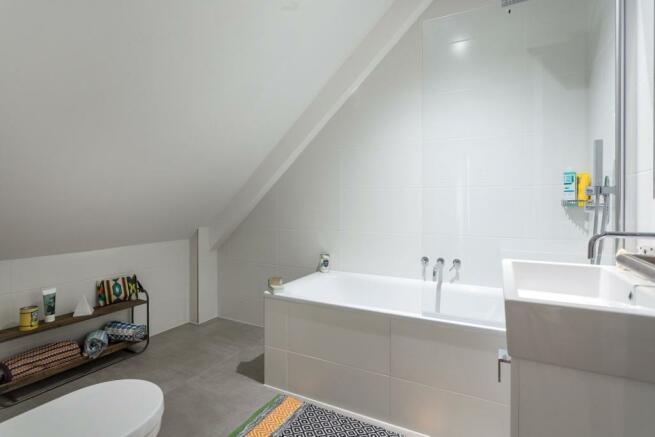 Bathroom, N16