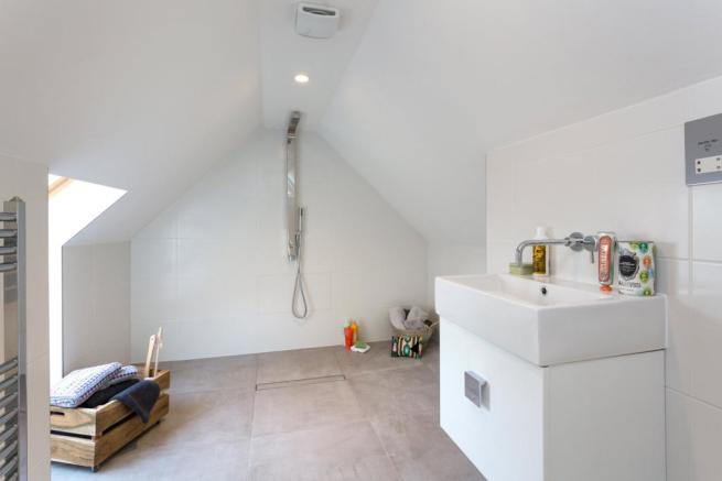 Shower, N16
