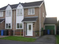 2 bedroom semi detached property to rent in Sandbach Close, Oakwood...