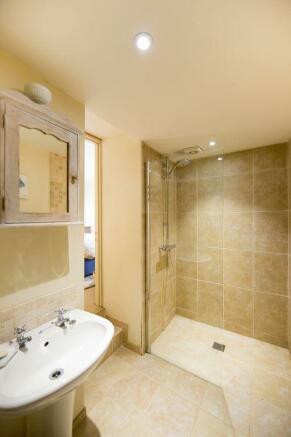Wet-room En-Suite