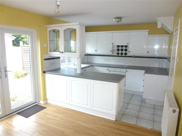 3 bedroom semi detached house for sale in nant y dderwen for Kitchen ideas 3 bed semi
