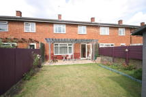 3 bed Terraced home in Deeside Road, Earlsfield...