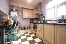 2 bedroom Apartment in Balham High Road, Balham...