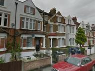 Knollys Road Ground Flat to rent