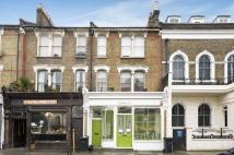 Flat to rent in Landor Road,...