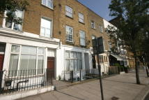 Flat to rent in Warwick Road, Kensington...